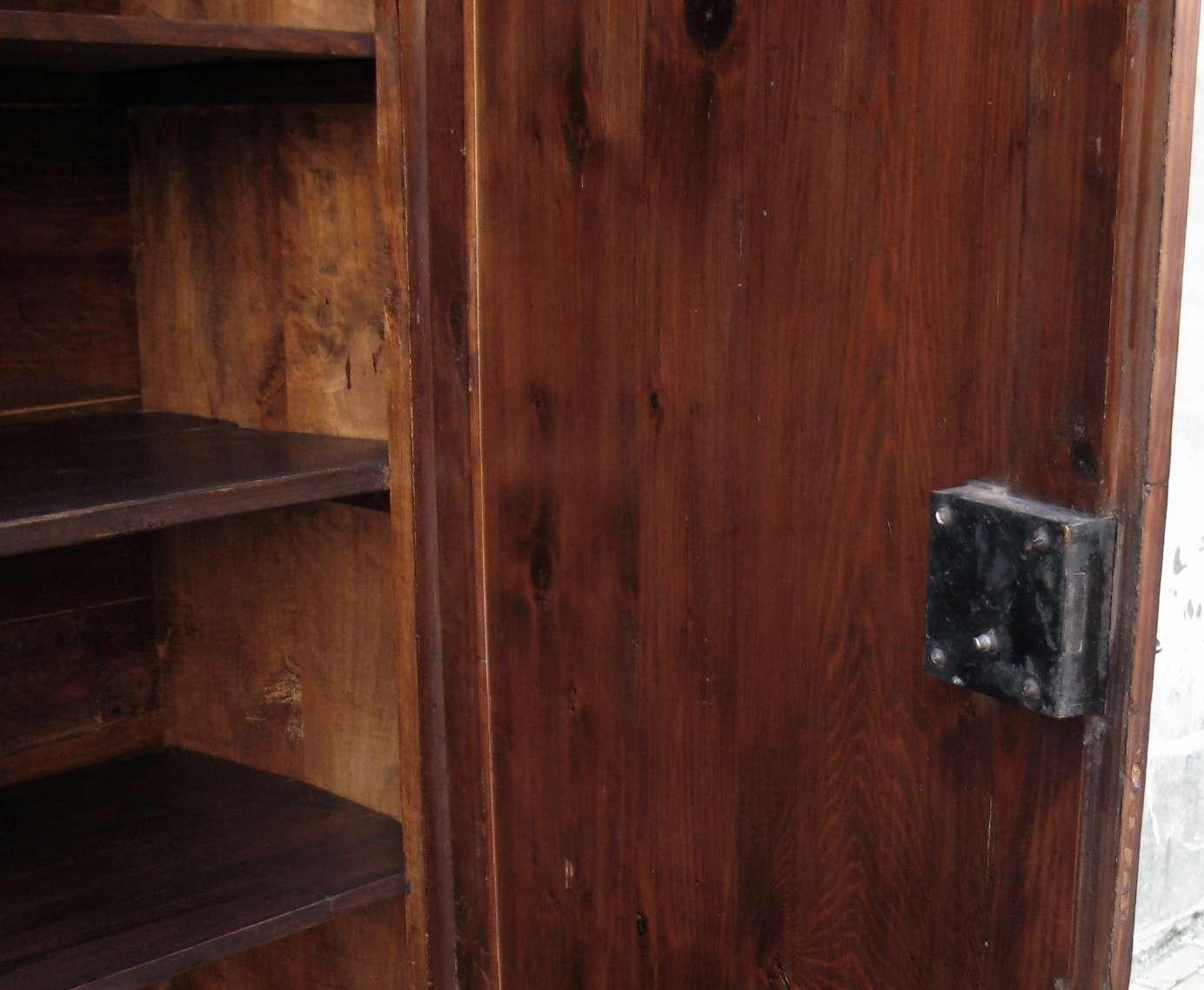 Armadio Antico Usato : Come scegliere un armadio antico e d antiquariato